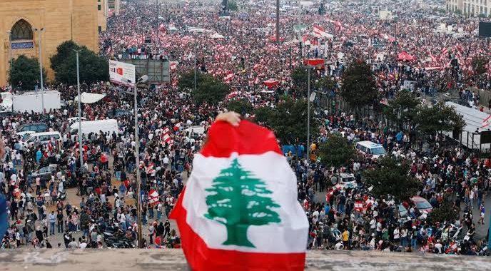 رؤيتنا: الانتفاضة اللبنانية.. كسر الحواجز الطائفية لإسقاط الطبقة الحاكمة