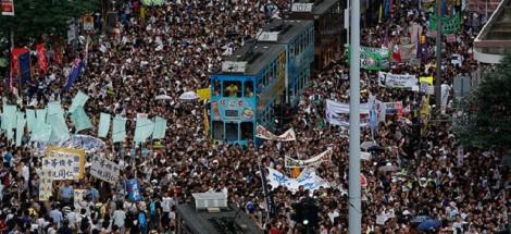 احتجاجات غاضبة في هونج كونج