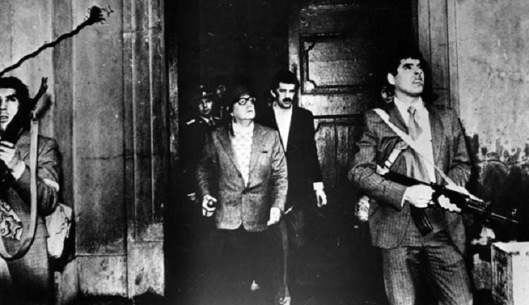 سيلفادور الليندي أثناء الانقلاب العسكري في تشيلي - 11 سبتمبر 1973