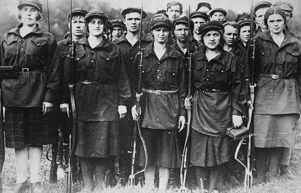 2013_07_16_bolshevik-women