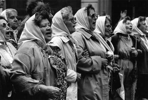 أمهات ساحة مايو - الأرجنتين