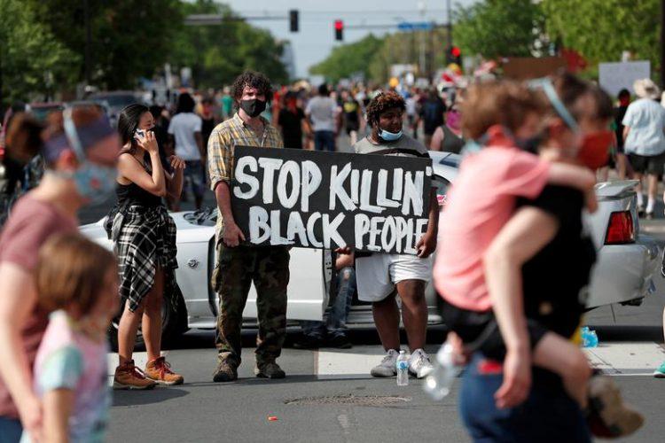 احتجاجات بمدينة مينيابوليس الأمريكية