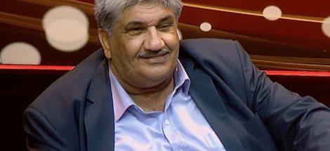 الصحفي محمد منير