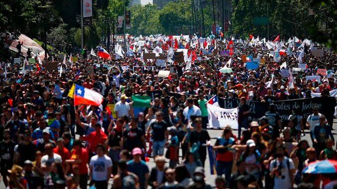 رؤيتنا: هاييتي والإكوادور وتشيلي.. قراءة سريعة في الربيع اللاتيني